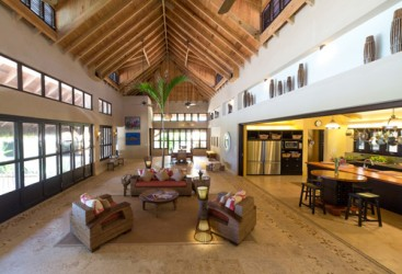 Luxury Beachfront Villa with great rental income