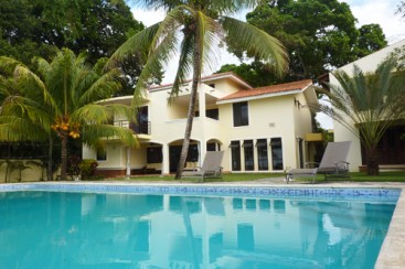 Gorgeous Ocean Front 4 Bedroom Villa with Guest House - Sosua