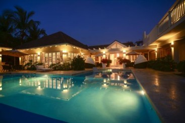 Luxury Golf and Ocean View Villa in Superb Location-Punta Cana Realty
