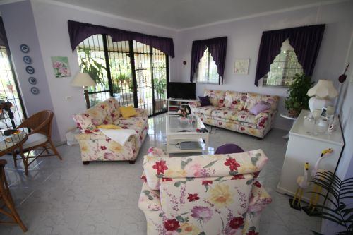 #4 Family villa located in quiet residential area