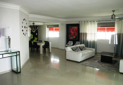 #2 Spacious 3 bedroom duplex condo in Santo Domingo Bella Vista Norte