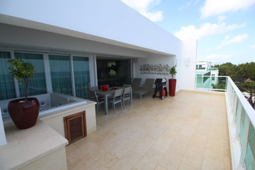#6 Amazing 5 bedroom oceanfront penthouse in great location