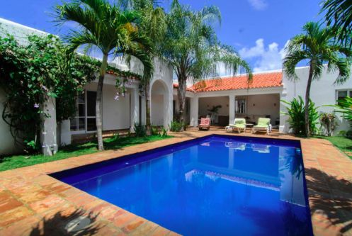 #0 Perfect tropical oasis with pool inside gated beachfront community