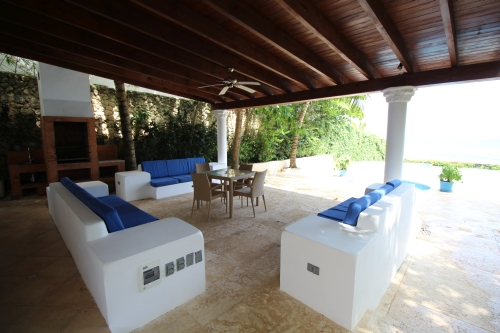#11 Beachfront Villa with 5 bedrooms in Sosua