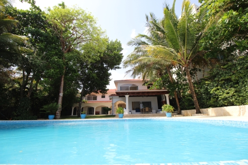 #12 Beachfront Villa with 5 bedrooms in Sosua
