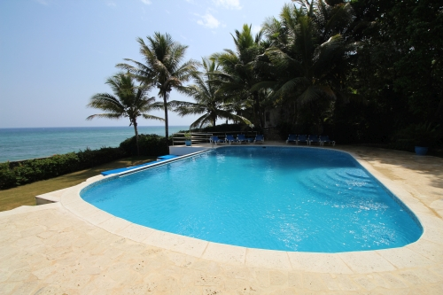 #13 Beachfront Villa with 5 bedrooms in Sosua