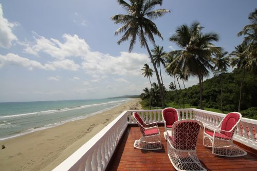 #8 Beautifully designed beachfront villa with 5 bedrooms and Guesthouse