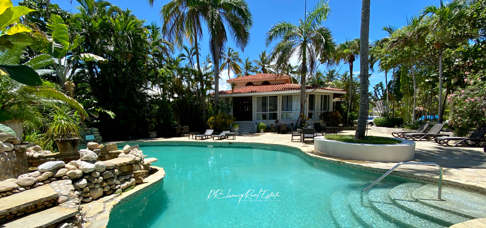 #0 A great income producing waterfront villa with great rental history!