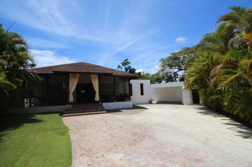 #0 Investment property a few steps from the beach with excellent rental potential