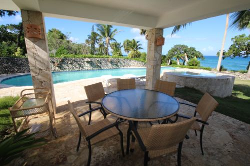 #1 Gorgeous oceanfront villa in exclusive gated community