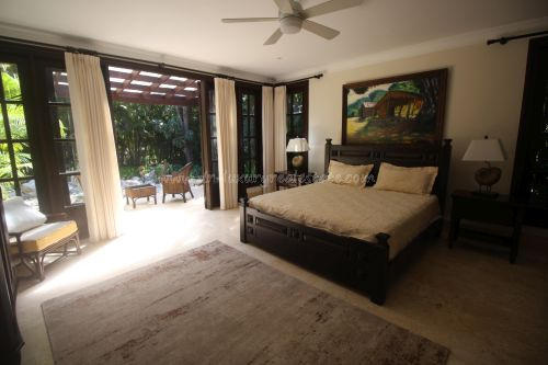 #6 Luxurious ocean view villa in select community just steps from the beach