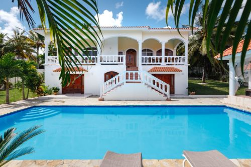 #15 Villa located in a gated community close to the beach