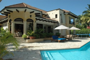 Tropical Garden Villa close to the Beach near Cabarete
