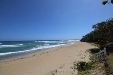 Superb beachfront lots in highly prestigious gated community