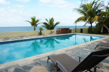 Gorgeous Ocean Front 4 Bedroom Villa with Guest House in Sosua