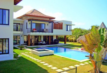 Luxury Bali Style Villa in a prestigious beachfront community in Cabrera