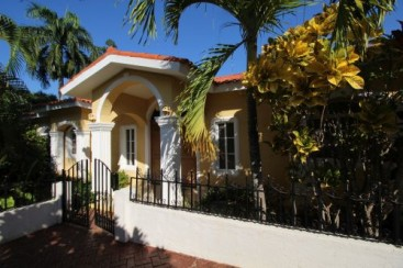 New villa with 3 bedrooms in gated beachfront community