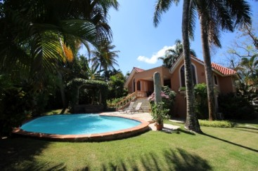 Lovely 3 bedroom villa  in popular gated community
