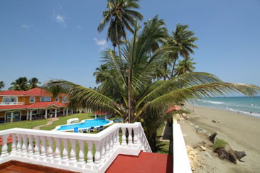 Beautifully designed beachfront villa with 5 bedrooms and Guesthouse