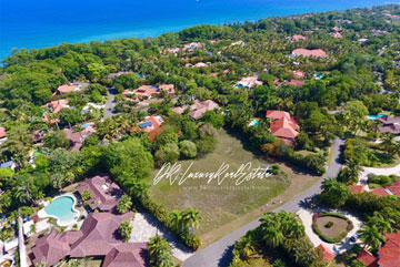 Prime building lots in prestigious beachfront community