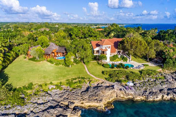 Magnificent oceanfront property in exclusive development