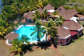 Beautiful villa in select community close to the beach