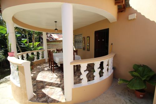 #2 Villa with total privacy and large Backyard in Sabaneta