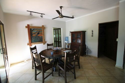 #4 Individual family home with pool close to beach