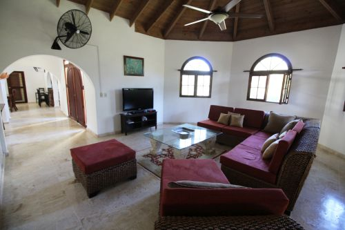 #6 Greatly reduced luxury villa situated in a perfect location