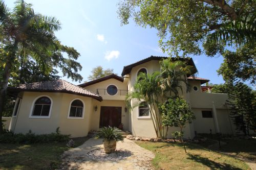 #9 Greatly reduced luxury villa situated in a perfect location
