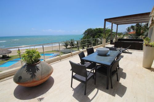 #5 Luxurious 6 bedroom beachfront penthouse in great location