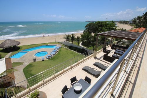 #9 Luxurious 6 bedroom beachfront penthouse in great location