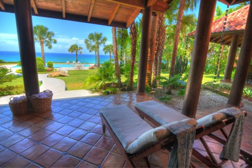 #0 Beachfront Mansion with 5 bedrooms in a perfect location