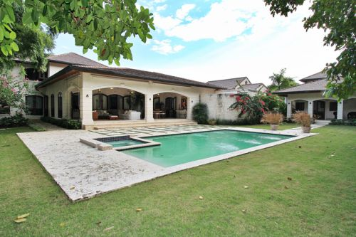#9 Gorgeous 6 bedroom Villa inside beachfront community