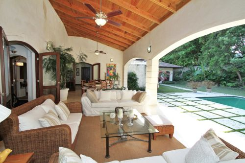 #8 Gorgeous 6 bedroom Villa inside beachfront community
