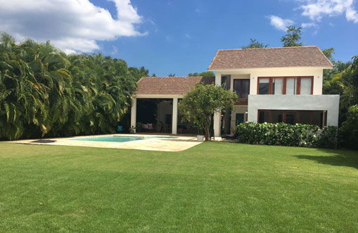 #2 Spacious 4 bedroom villa inside Metro Club Juan Dolio