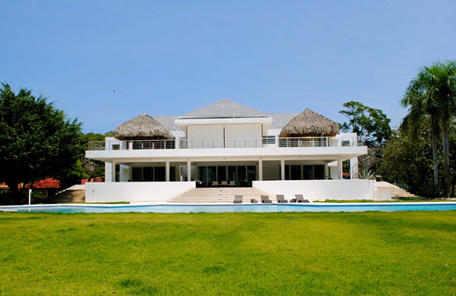 #2 Exclusive modern beachfront villa for sale in Sosua