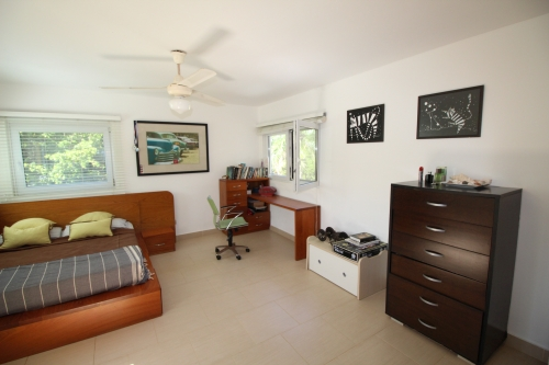 #8 Beachfront penthouse with three bedrooms inside gated community
