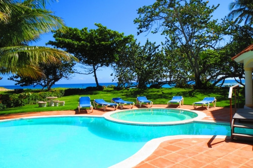 #3 Magnificent beachfront villa with good rental income