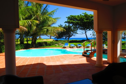 #4 Magnificent beachfront villa with good rental income