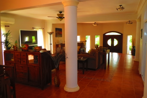 #5 Magnificent beachfront villa with good rental income