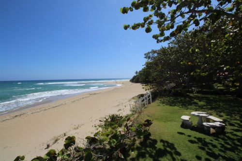 #6 Magnificent beachfront villa with good rental income