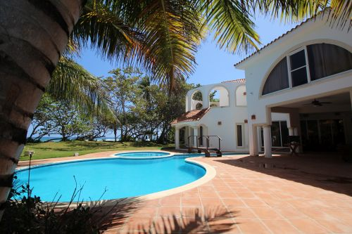 #1 Magnificent beachfront villa with good rental income