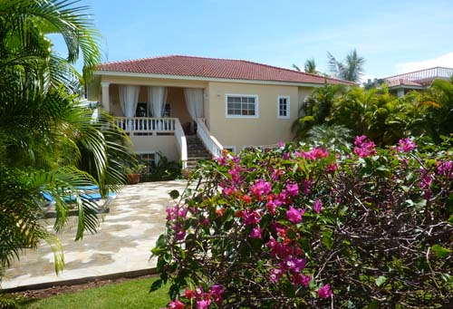 #3 Spacious three bedroom villa with separate apartment in gated community