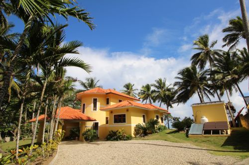 #7 Beautifully designed beachfront villa with spacious accommodation