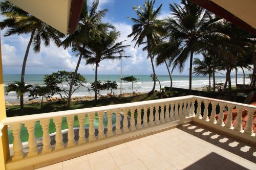 #6 Beautifully designed beachfront villa with spacious accommodation