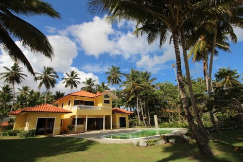 #9 Beautifully designed beachfront villa with spacious accommodation