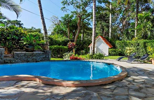 #6 Villa with 2 Bedrooms and Pool in popular gated community