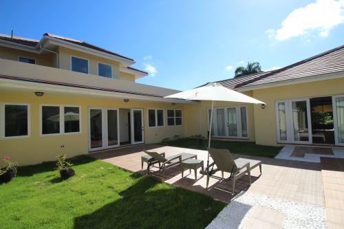 #13 Beautifully designed mansion in select community close to the beach