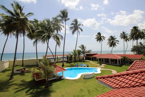 #1 Beautifully designed beachfront villa with 5 bedrooms and Guesthouse